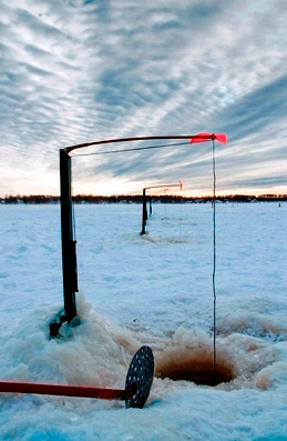 ice-fishing-tip-up
